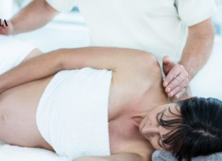 беременная на массаже